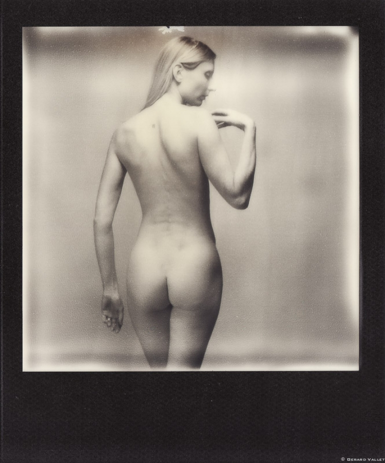 Dos nu, Ieva, Studio Bordeaux, Polaroid SLR670 + Impossible 600 B&W